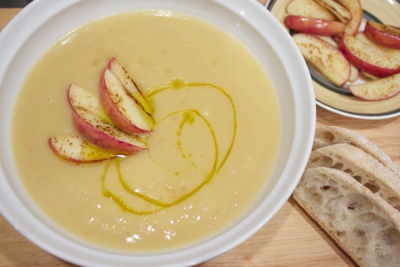 zuppa di sedano rapa e mele