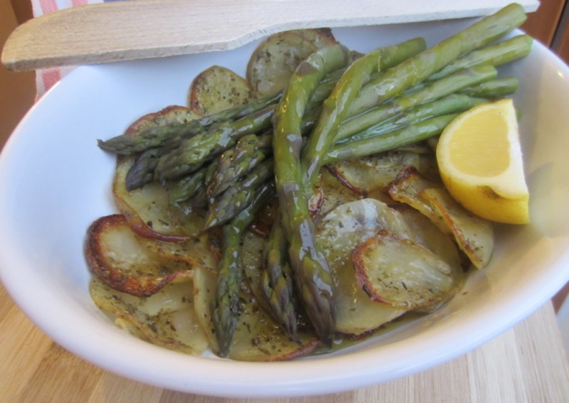 asparagi su letto di patate