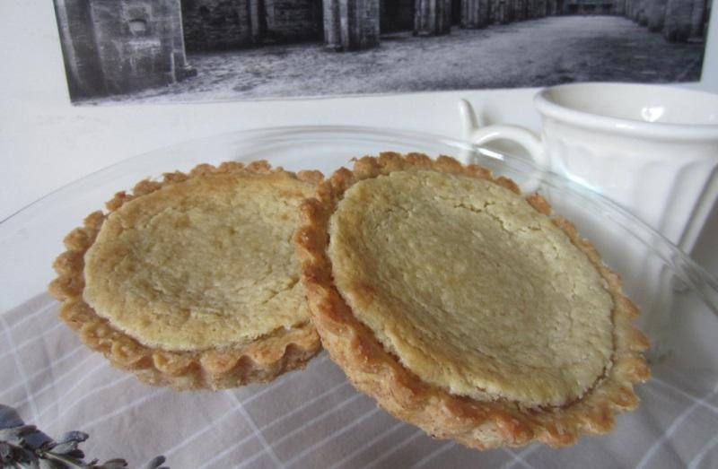 crostatine di frolla integrale con crema di mandorle