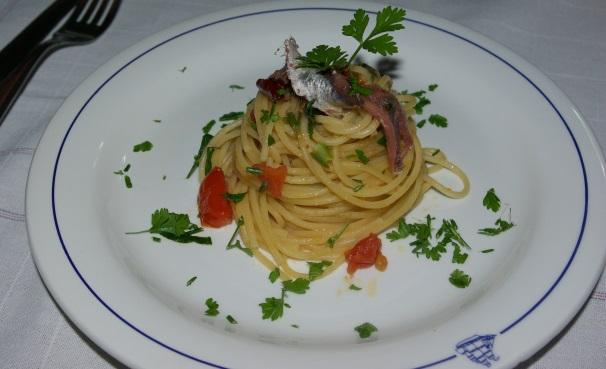 spaghetti con le acciughe_