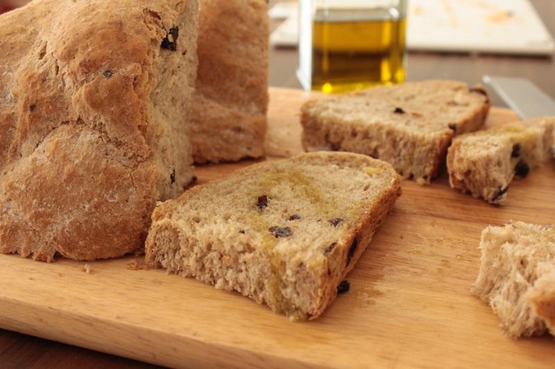 pane integrale con avena e uvetta