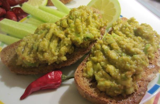 bruschette con salsa di avocado_