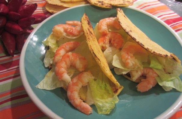 tacos con insalata e gamberi_