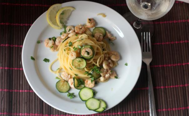 Spaghetti con gamberi e zucchine_