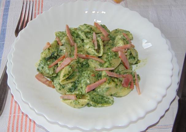 conchiglie con crema di spinaci_