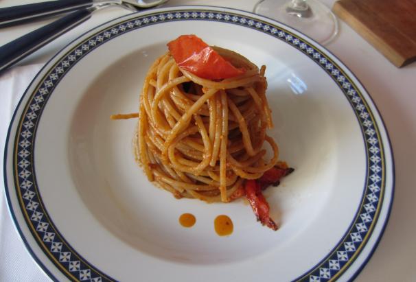 spaghetti integrali con sugo alle noci_