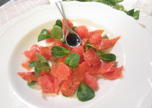 insalata di salmone e pompelmo_