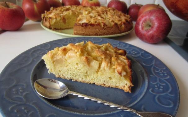 torta di mele e yogurt piatto finale