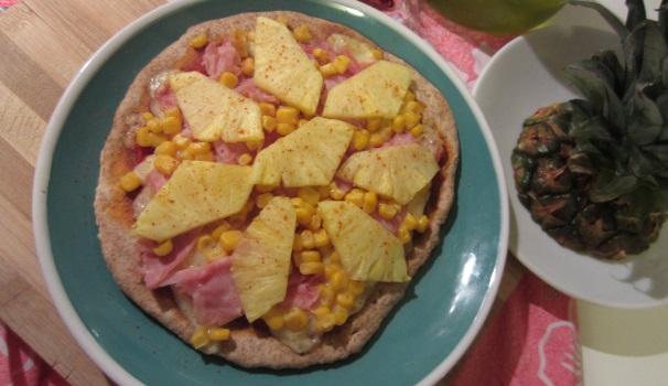 pizza hawaiana fatta in casa