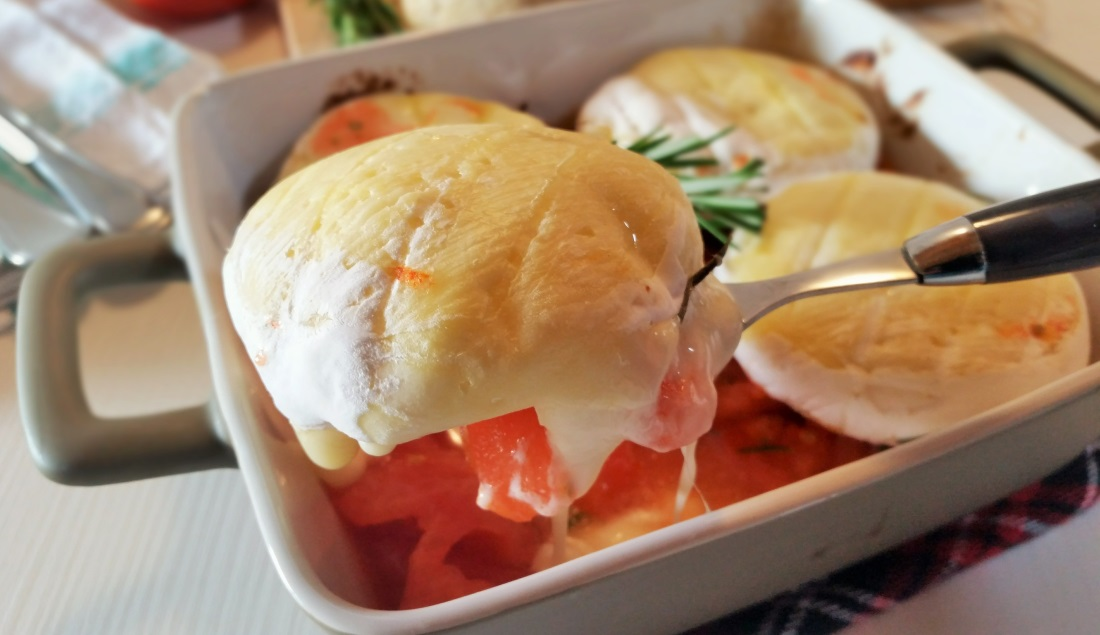 tomini al forno con pomodori e rosmarino