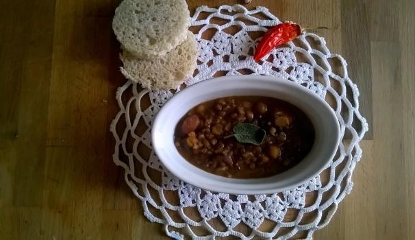 zuppa farro con ceci e lenticchie