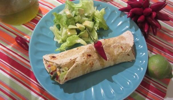 Burrito con riso, mais e jalappeno ricetta messicana