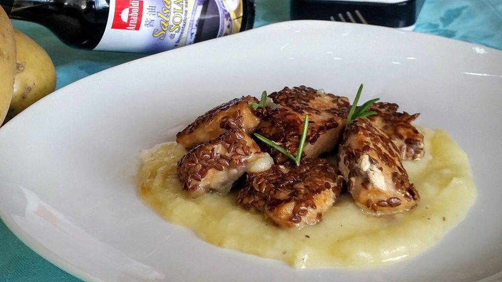 petto di pollo ai semi di lino con crema di patate2