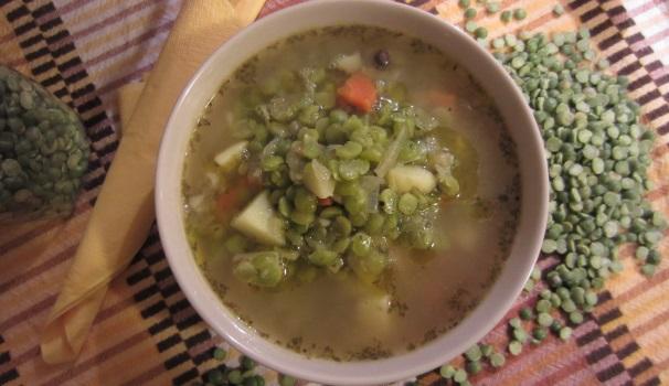 Zuppa di piselli con pancetta