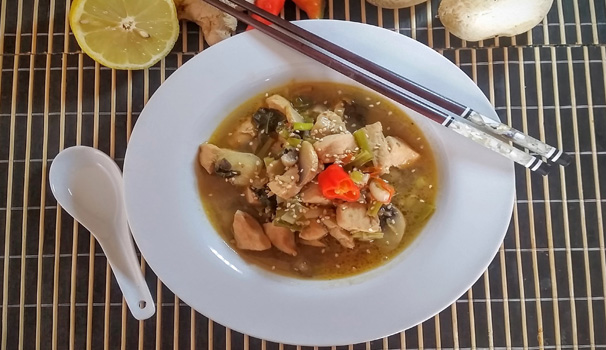 zuppa thai al pollo