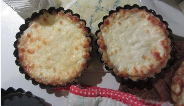 Tartallette salate con formaggio