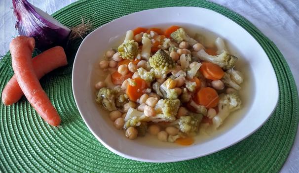 minestra concavolo romanesco e ceci