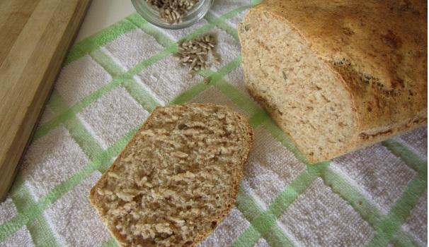 Pane veloce con sesamo e semi di girasole
