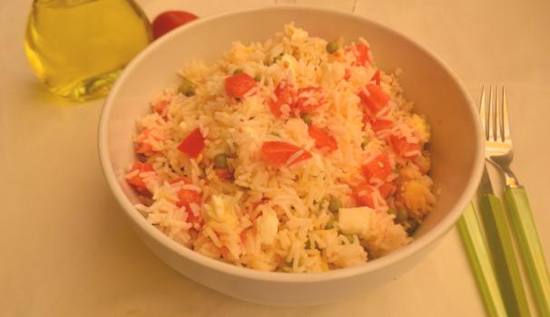insalata di riso basmati foto di fine procedimento
