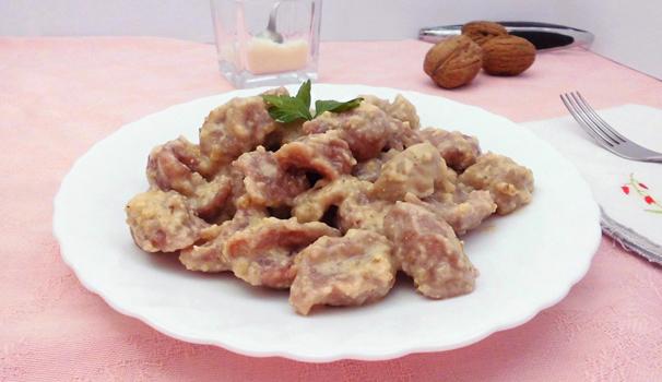 Gnocchi alla rapa rossa e salsa di noci con bimby ricetta