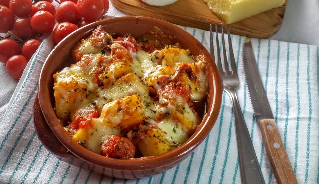 gnocchi di polenta con pomodoro e mozzarella