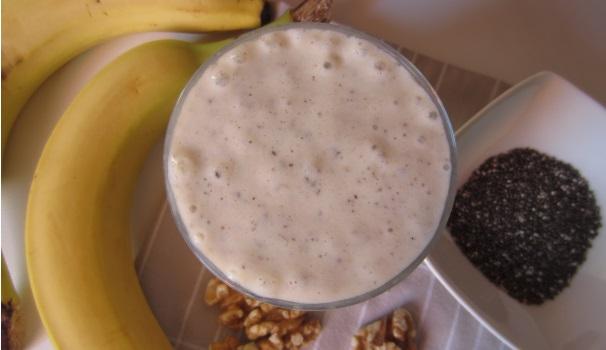 Smoothie con banane e semi di chia