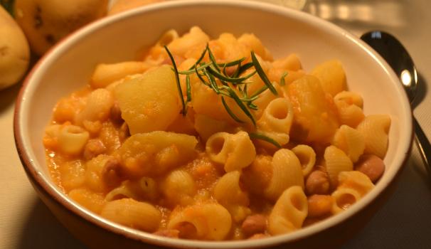 pasta e fagioli alla veneta con patate foto fine procedimento