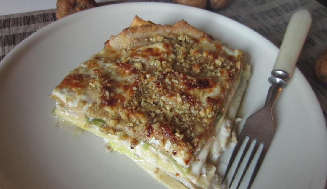 Lasagne integrali con porri, crescenza e noci squisite
