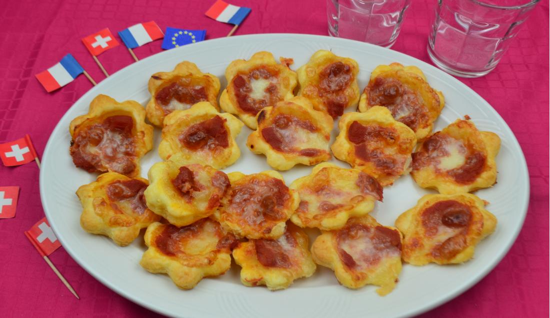 pizzette in pasta sfoglia foto principale