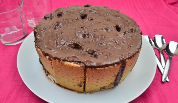 torta di budino e biscotti foto fine procedimento
