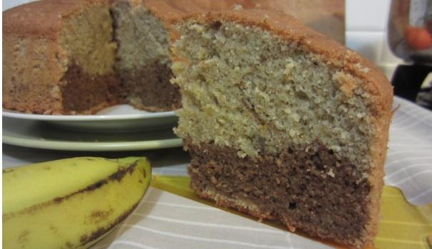 Chiffon cake con banane e cacao