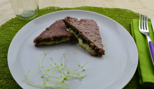 tramezzini di carne con spinaci foto fine proc