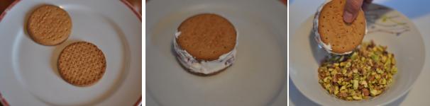 Biscotto con crema alle fragole e granella di pistacchi ricetta veloce