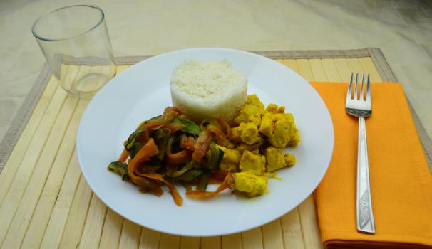 riso basmati con pollo e verdure foto fine proc