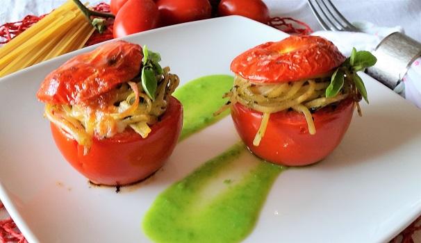 pomodori ripieni di pasta al pesto